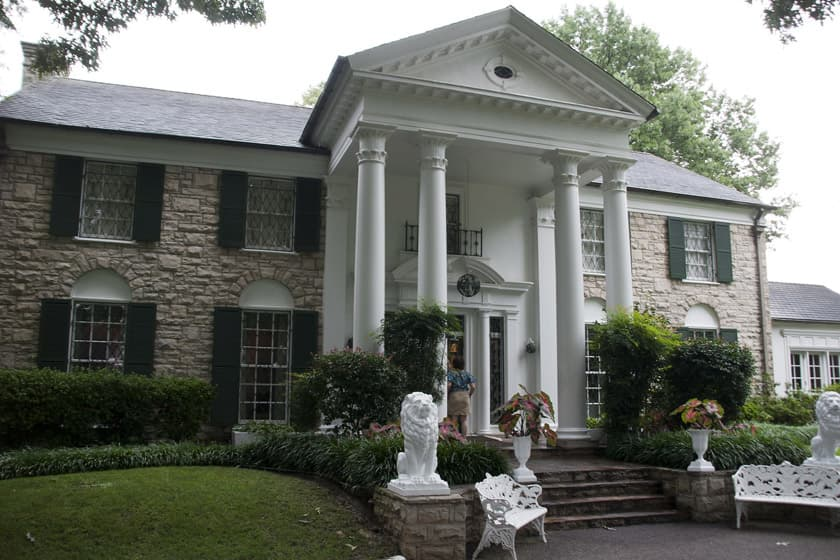 Things to do in Memphis Tennessee - Graceland